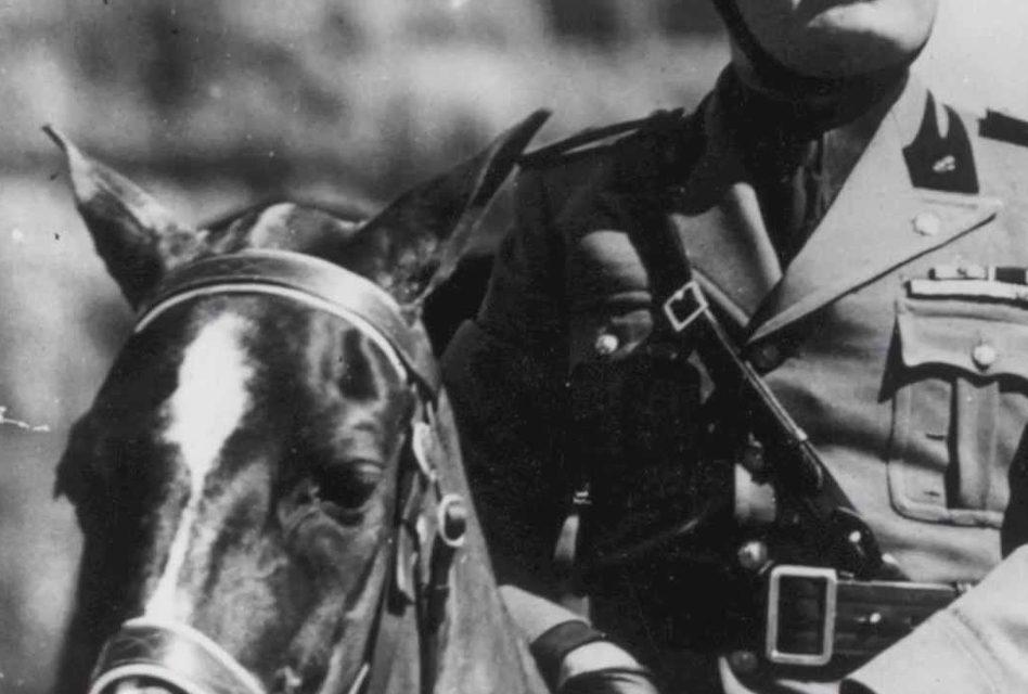 Mussolini ve Ordu Süvari Ekibi